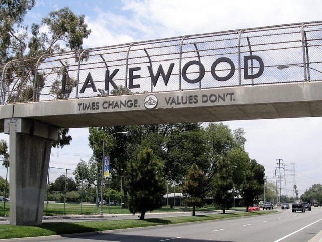 https://votecassandrachase.com/wp-content/uploads/2020/02/cassandra-chase-for-city-council-lakewood-california-policy-housing-640x480.jpg